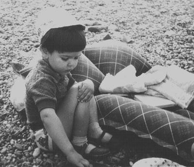 Мальчик показывает письку фото фото 598-773